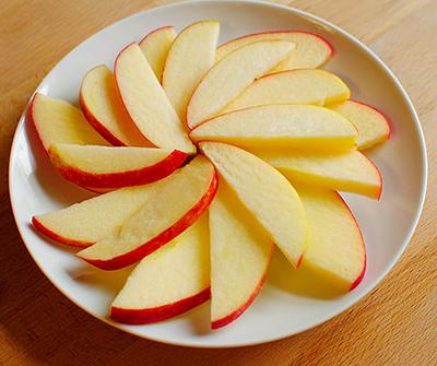 Яблоко на тарекле